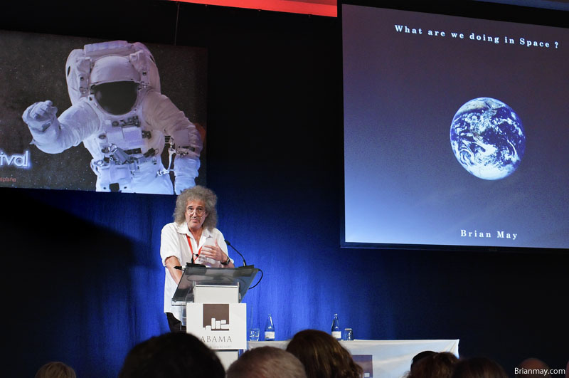 Bri speaking at Starmus 2011